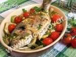 Дорадо, запеченная с фенхелем, кабачком и помидорами черри