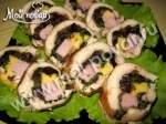 Куриное филе, фаршированное черносливом, ветчиной и сыром
