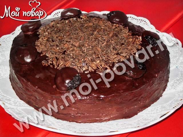 шоколадный торт с черносливом