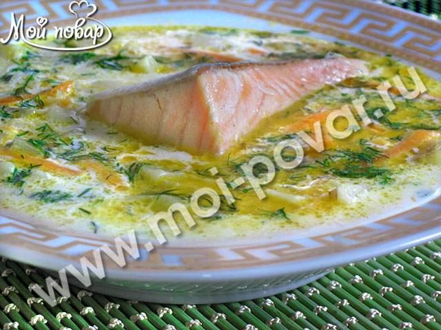 Сливочно-сырный суп с семгой